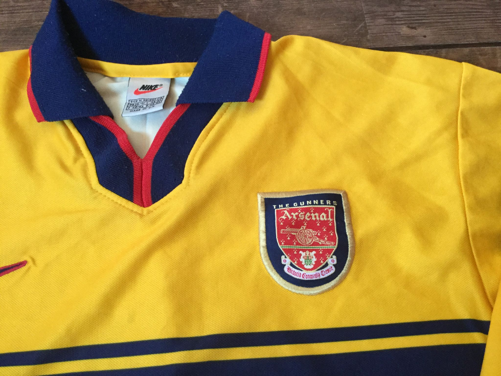 26d589f0d Global Classic Football Shirts   Old Vintage Soccer Jersey 1997 Arsenal